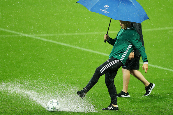 Regn stoppade CL-match